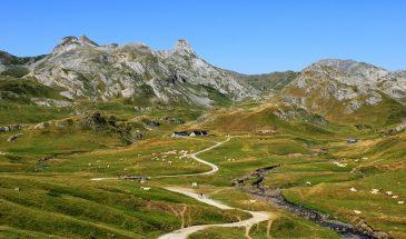 Les Pyrénées à moto
